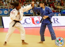 Priscilla Gneto (FRA), Petra Nareks (SLO) - Grand Prix Budapest (2014, HUN) - © IJF Media Team, International Judo Federation