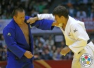 Ryu Shichinohe (JPN), Abdullo Tangriev (UZB) - Grand Slam Tokyo (2014, JPN) - © IJF Media Team, International Judo Federation