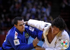 Ryu Shichinohe (JPN), David Moura (BRA) - Grand Slam Paris (2014, FRA) - © IJF Media Team, International Judo Federation