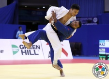 Dastan Ykybayev (KAZ), Mirali Sharipov (UZB) - Grand Prix Qingdao (2015, CHN) - © IJF Media Team, International Judo Federation